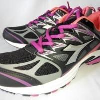 Sepatu Olahraga Diadora Valera (Original)