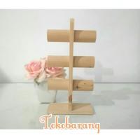 rak kayu tingkat gelang bangle perhiasan rak pajangan etalase toko