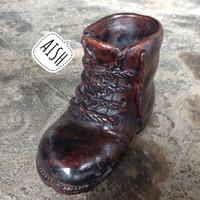Harga souvenir unik sepatu boot tembikar tanah liat | Pembandingharga.com