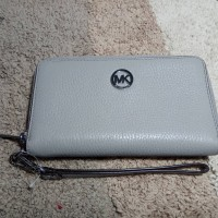 Michael Kors Pearl Grey Fulton Large Flat Leather Phone Case