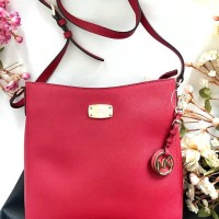 Michael Kors Jet Set Travel Messenger Red Saffiano