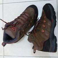Sepatu Hiking Gunung second Merk KOLPING WELTEX