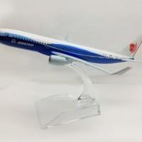 Miniatur Diecast Pesawat Terbang LION AIR Besi