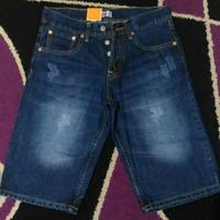Celana Pendek Jeans Levis Import Seri 501 (New Product)