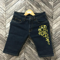 Celana Pendek Denim Anime One Piece TRAFALGAR LAW - Short Jeans Murah
