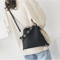 Tas Import Korea J110369 Black Sling Bag Fringe Rumbai Korea Jalan H&M