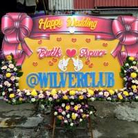 Karangan Bunga Papan Ucapan Happy Wedding Surabaya - 1/2 Full