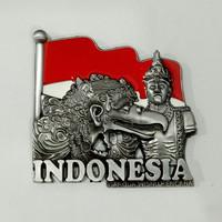 Magnet / tempelan kulkas metal GWK Bali souvenir negara Indonesia