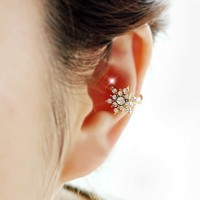 Perhiasan Wanita anting klip salju / diamond snowflake ear bones clip