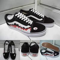 Sepatu Kets Vans Old Skool Bape Shark Hiu Black White Red Hitam Merah