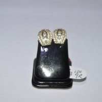 Anting emas kuning 70% berat 3.1 gram. yellow gold earring