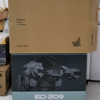 HOT TOYS ROBOCOP ED-209