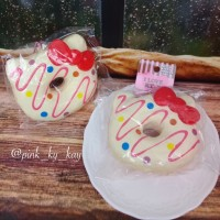 Jual SQUISHY HELLO KITTY DONUT WHITE RARE Murah