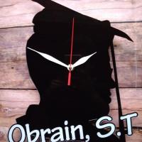 Jam Akrilik Untuk Kado Wisuda Laki-laki