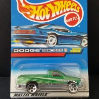 die cast hotwheels  dodge ram 1500  mattel wheels hijau