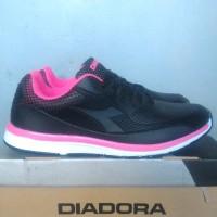 Sepatu olahraga sport wanita diadora gianno w running original
