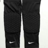 Leg Sleeve Padded Nike (pelindung lutut)