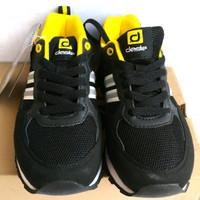 0_ff5cc092-4574-4364-9eab-6d7a1f28fbb2_630_540 Inilah Harga Sepatu Desle Teranyar minggu ini