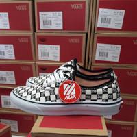 Sepatu Supreme x Vans Authentic Pro LX Checkerboard