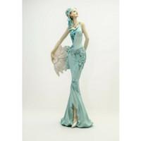 Pajangan Figurine Wanita dan Kipas