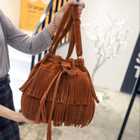 Tas selempang impor wanita original model tassel terbaru style casual