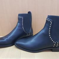 Sepatu Boots Kulit Zara