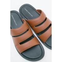 Sandal Pria Yongki Komaladi Men 42050020 Sandal Coklat WH1 Ready