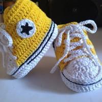 sepatu bayi converse rajut