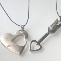aksesoris kalung couple arrow heart best seller titanium hati