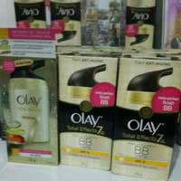 Olay Total Effects 7in1 Touch Of Foundation BB Cream SPF15 - isi 50 gr