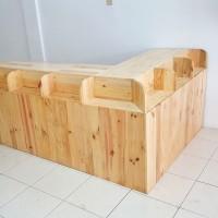 Meja Etalase dan Kasir untuk Jualan Toko Roti Camilan Full Kayu Solid
