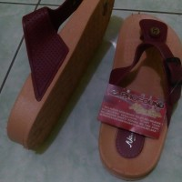 Sandal Karet Wanita New Era LB748