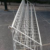 Rak Pajangan Besi Bekas Hypermarket