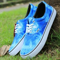 sepatu sneakers casual pria vans authentic motif galaxy l