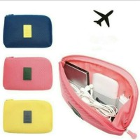 Travel Gadget Pouch Organizer/ dompet gadget/ dompet kosmetik /