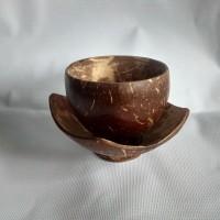 satu set cangkir lepek batok kelapa
