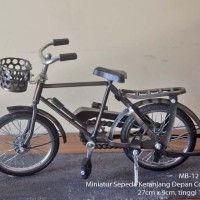 Pajangan Interior Miniatur Sepeda Ontel Keranjang Logam