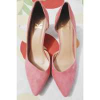 """sepatu berbahan suede produk import """"the little thing she need"""""""