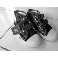 Sepatu anak sekolah TK SD NB warna hitam boot velcro murah ori