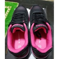 Asli DIADORA ORIGINAL. GIANO Pink ( W ). Sepatu Olahraga Pria. Running