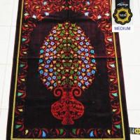 Sajadah Jumbo Tebal. Medium Quality. Made in Turkey M.75