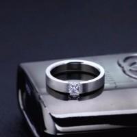 Jual Cincin Fashion Mewah Cewek / Wanita - Titanium Steel Diskon