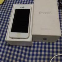 Iphone 5 White 32GB Ex Garansi Resmi Ibox Fullset 90%