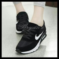 Stok Baru! Sepatu Wanita Kets Nike Airmax Replika Hitam