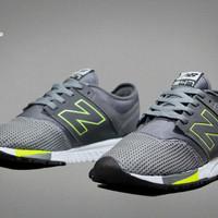 Free Bonus !!! Sepatu sneakers murah NB 247 impor quality