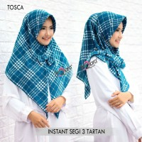 Hijab Jilbab Kerudung Instan Segitiga Instant Motif Tartan by Dqiara