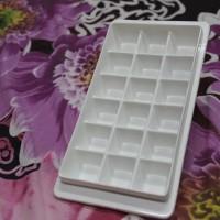 tempat es batu plastik pup pelastik cetakan es batu