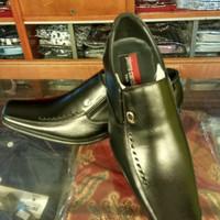 Pierre Cardin sepatu kantor kulit asli