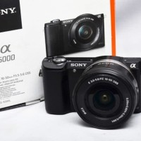 Sony A5000 Kit 16-50mm Bonus Baterai Filter Lenshood & Casing