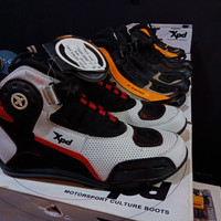 Sepatu XPD Ultra WRS White Red not Dainese Alpinestar